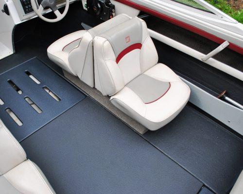 U-POL Raptor Oberflächen Beschichtung; Motorboot Instandsetzung; Bootsboden