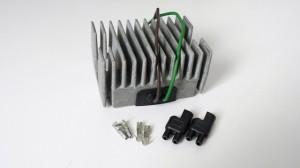 Regulator / Gleichrichter mit Steckverbindung 2-polig Volvo Penta 3558045